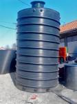 vertiklani-plasticni-rezervoari